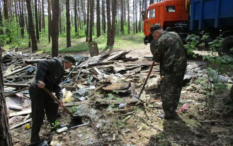 Избрянского леса вывезли 40 кубометров мусора