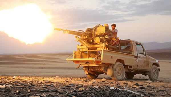 СМИ: в пригороде Эль-Мукаллы йеменские военные уничтожили 13 боевиков