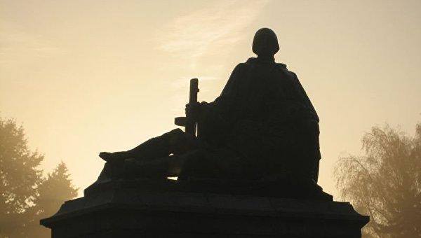 Институт нацпамяти Польши ищет новое место для советских памятников