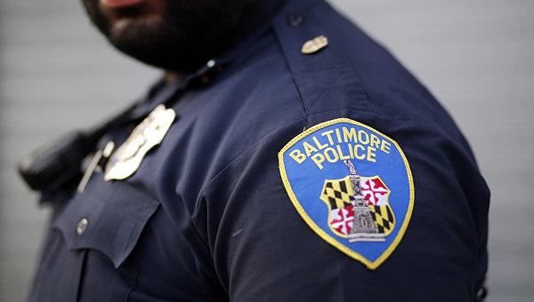 Адвокат полицейского в Балтиморе призвал снять обвинения с других офицеров