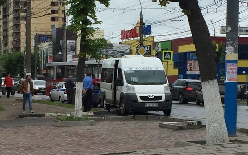 Мужчина пострадал пристолкновении двух автобусов вБрянске