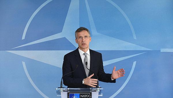 Столтенберг: НАТО будет стремиться держать открытым диалог с Россией