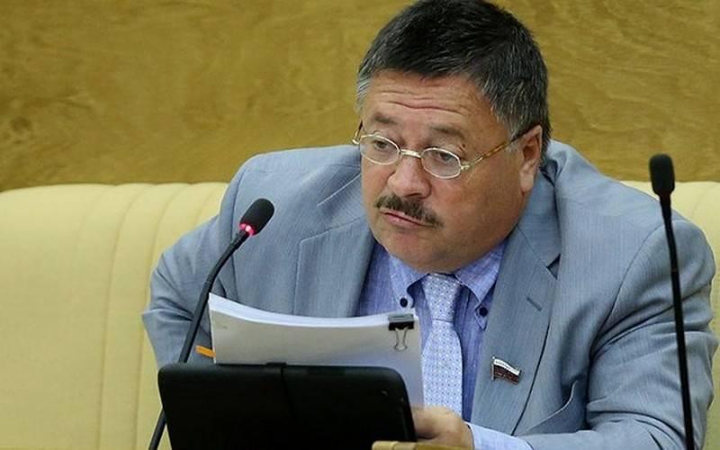 Сенатор Сергей Калашников выслушает жалобы брянцев 26 мая