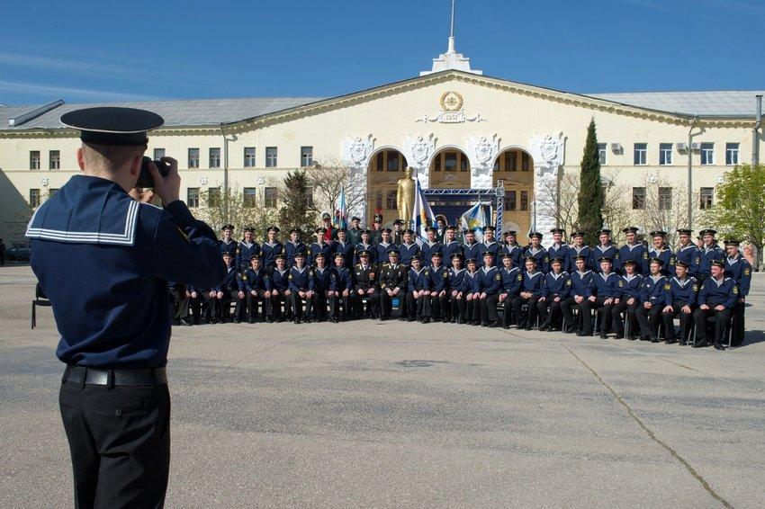 Нахимовское училище в Севастополе пообещали не переселять