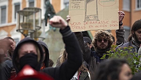 Во Франции сотрудники 19 АЭС присоединятся к протестам против реформы труда