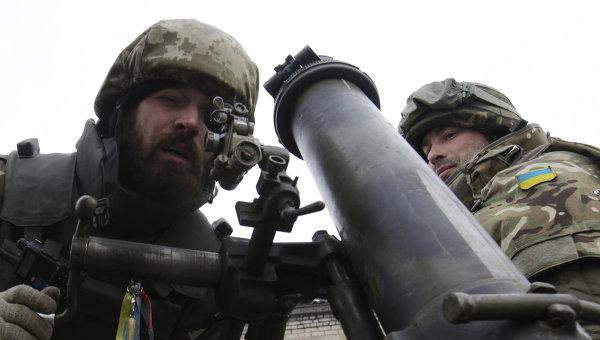 СМИ: силовики выпустили по окраинам Донецка более полусотни мин