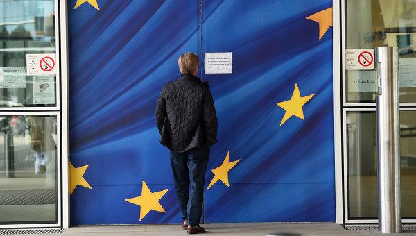 ЕС распространит на Украину и Грузию механизм отказа от безвизового режима