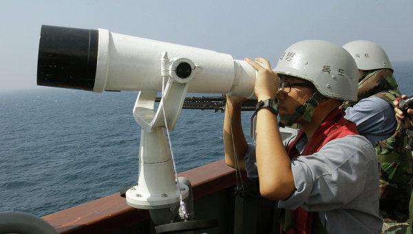 ВМС Южной Кореи открыли предупредительный огонь после вторжения судов КНДР