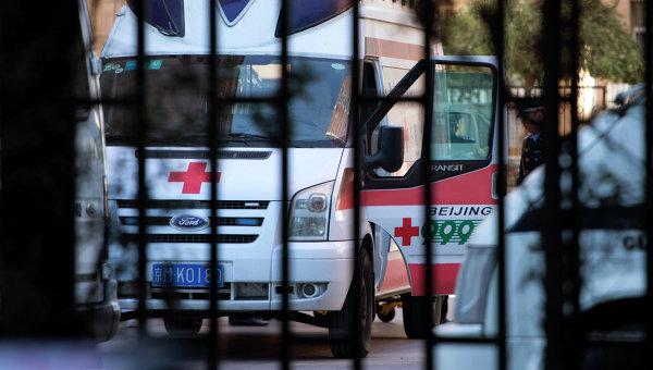В Китае перевернулся школьный автобус