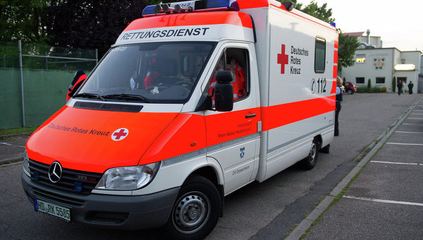 Из-за удара молнии на футбольном поле в Германии пострадали 35 человек