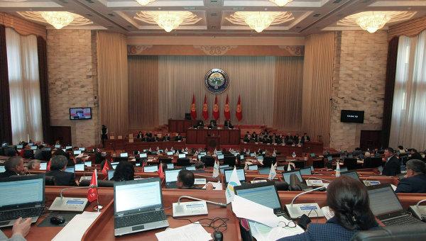 В Киргизии утвердили кандидатуру Кашкара Джунушалиева на пост главы МВД