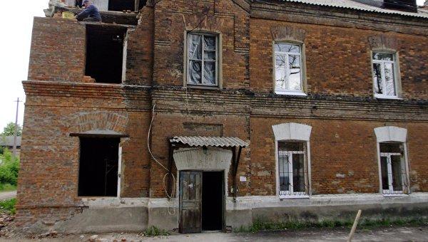 Власти ДНР обещают за два года восстановить поврежденное обстрелами жилье