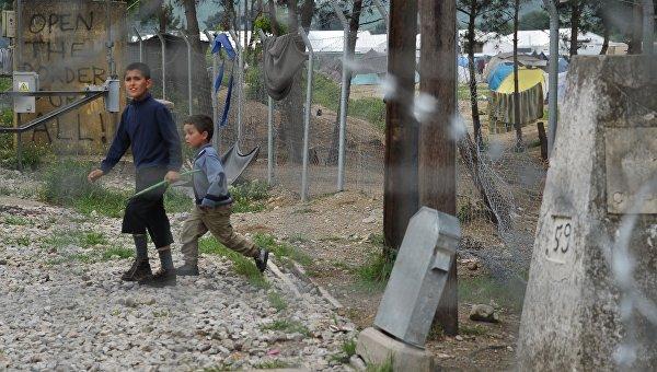 Глава МИД Австрии считает, что беженцев стран ЕС лучше держать на островах