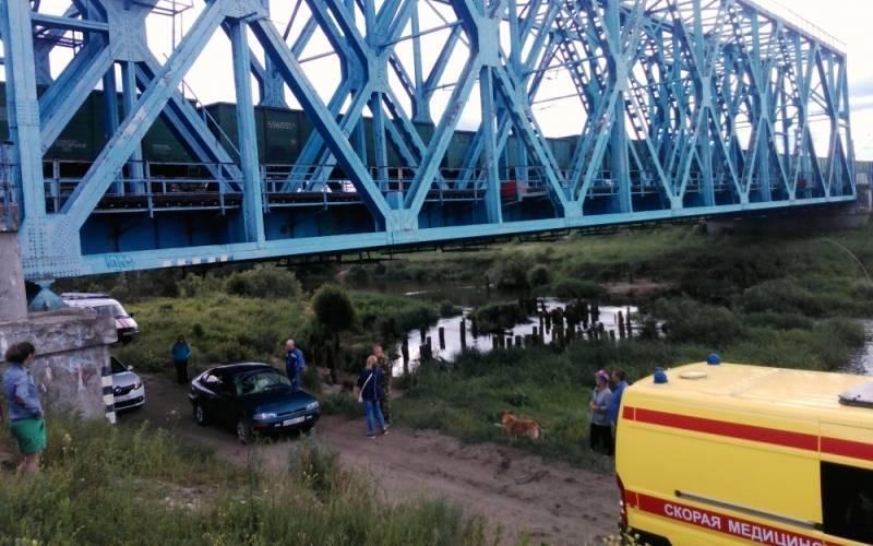 На железной дороге вБрянске подростка ударило током