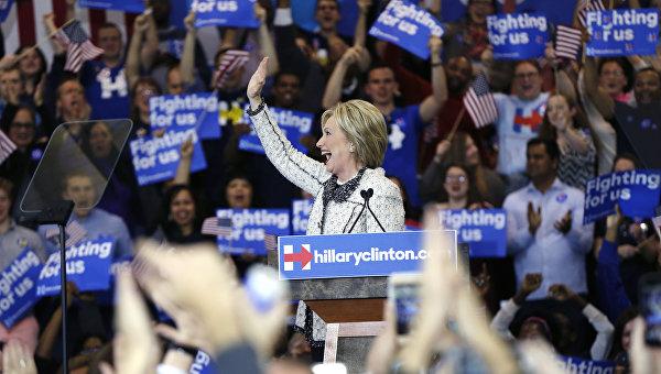 Клинтон: выдвижение женщины в президенты США является исторической вехой