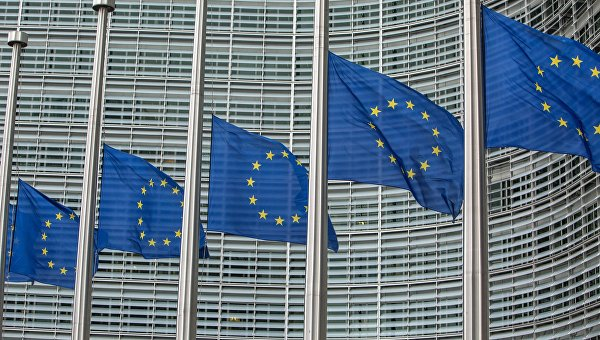 Опрос: пессимистичное отношение к ЕС растет среди граждан стран-членов