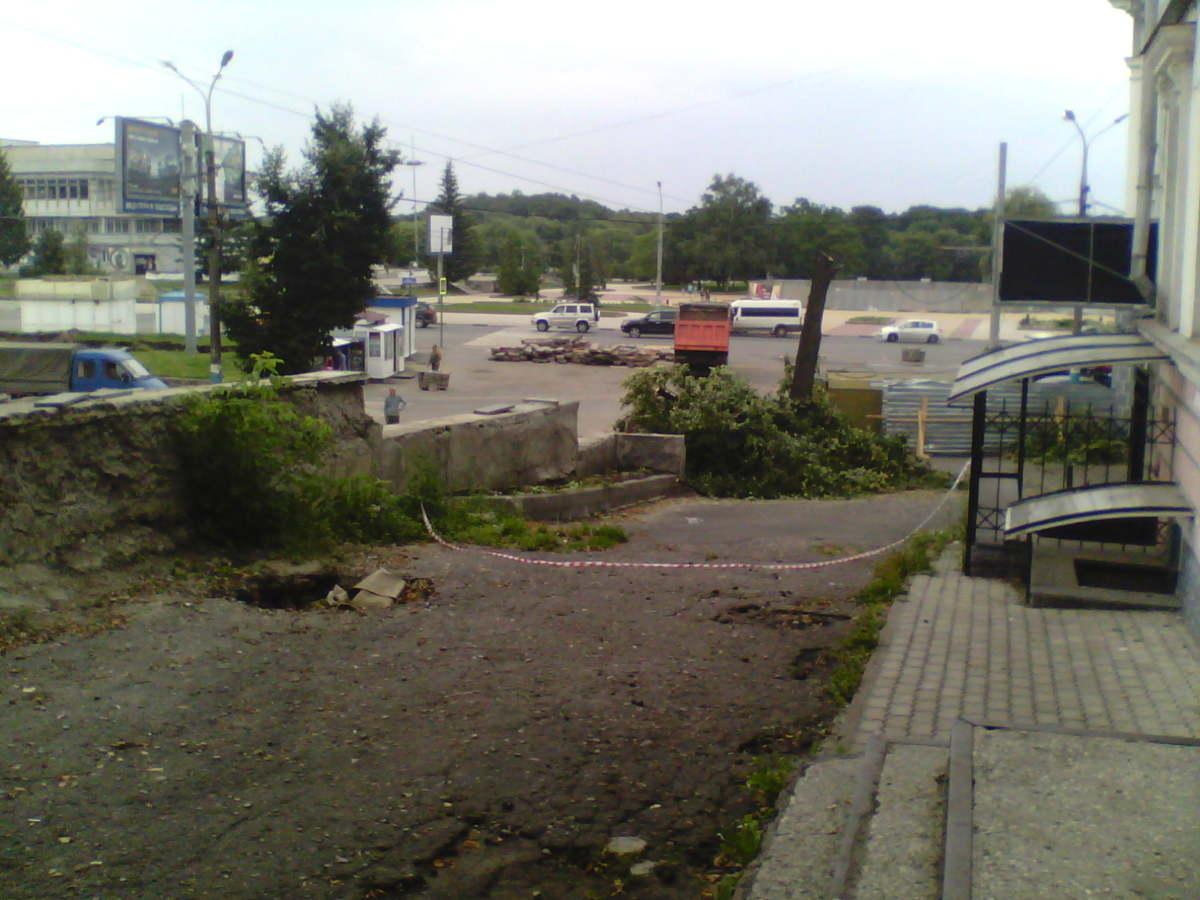 Ремонт Набережной: для чего спиливают деревья?