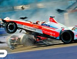 Все аварии третьего сезона Formula E показали на видео