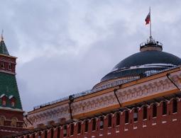 В Кремле прокомментировали сообщения СМИ о плане снятия санкций с России