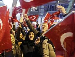 """Нидерланды объявили турецкого министра """"нежелательным иностранцем"""""""