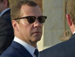 Песков объяснил отсутствие Медведева на заседании в Совете безопасности