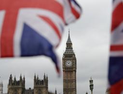 """Лондон хочет """"тайно наладить отношения"""" с Москвой: что этому мешает?"""