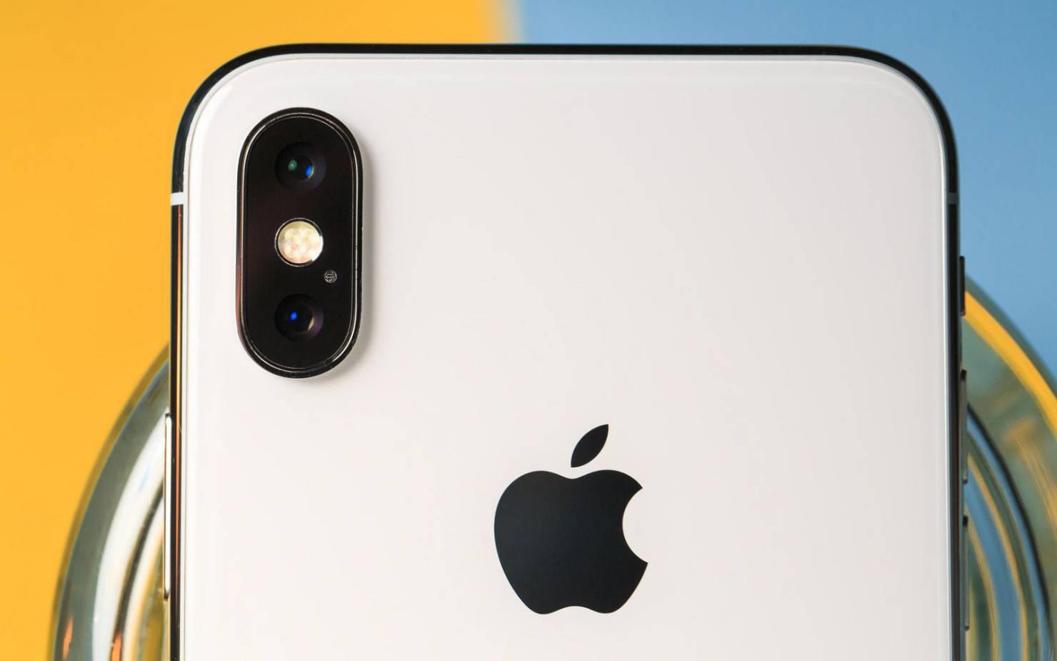 Владельцы iPhone X массово жалуются на трещины основной камеры
