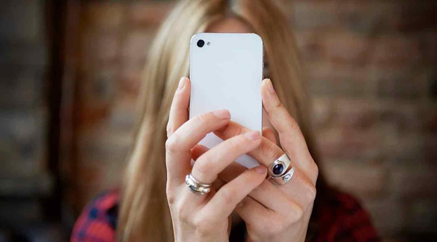Новый фильм BBC раскрывает трюки Facebook, Snapchat и Twitter, которые вызывают зависимость