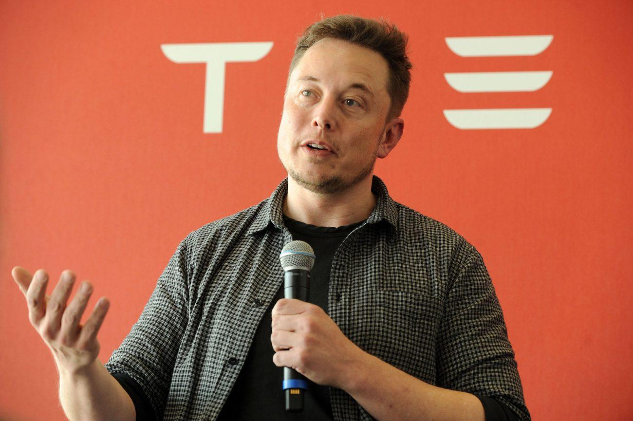 SEC расследует твиты Илона Маска про вывод Tesla с биржи. Предпринимателя ждет суд?