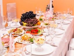 Диетолог посоветовала солить новогодние блюда меньше, чем обычно