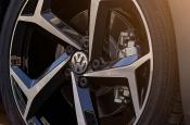 Volkswagen анонсировал премьеру нового Passat