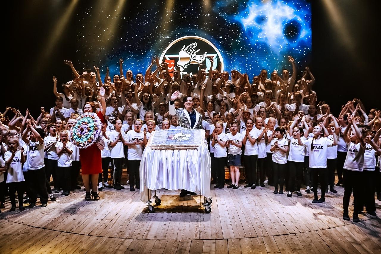 «Пятый элемент» театра танца «Аплас» — шоу-отчет, шоу-выпускной, шоу-юбилей