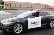 Полицейская Tesla разрядилась во время погони за преступником