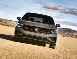 Volkswagen представил новую Jetta с мотором от спортивного Golf
