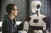 Почти человек: заслуживает ли обладающая чувствами машина человеческого отношения?