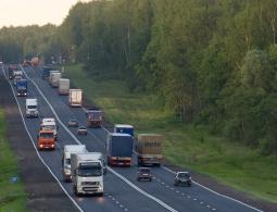 Водителям грузовиков запретят находиться за рулем более девяти часов