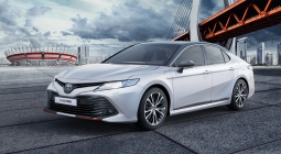 Toyota представила спортивную версию Camry для России