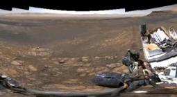НАСА показало инопланетные пейзажи Марса со следами марсохода «Кьюриосити»
