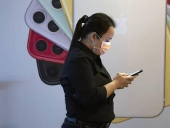 Скоро iPhone можно будет разблокировать даже в маске, но потребуются Apple Watch