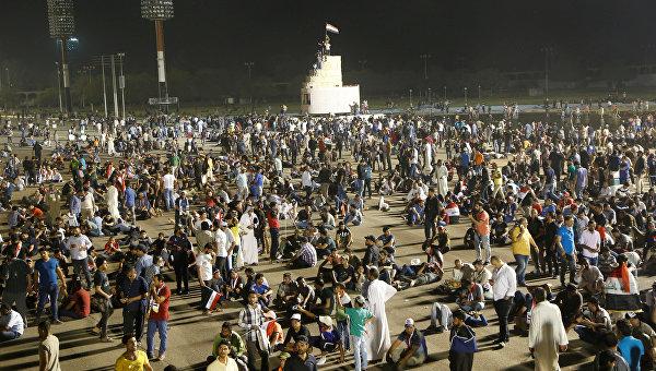 СМИ: протестующие начали покидать правительственную зону в Багдаде