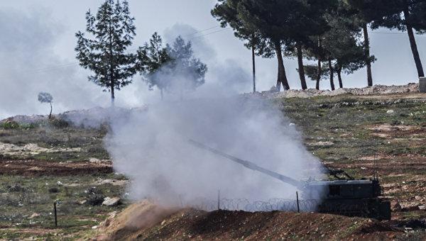 Турция увеличила число танков и гаубиц, размещенных у границы с Сирией