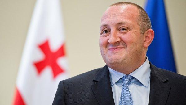 Президент Грузии отправился во Францию для встречи с Олландом