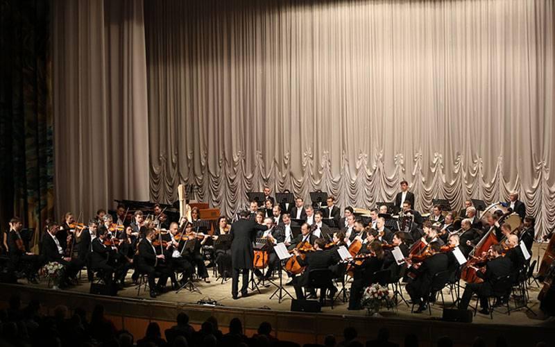 Накануне Пасхи вБрянске дал концерт симфонический оркестр Мариинского театра