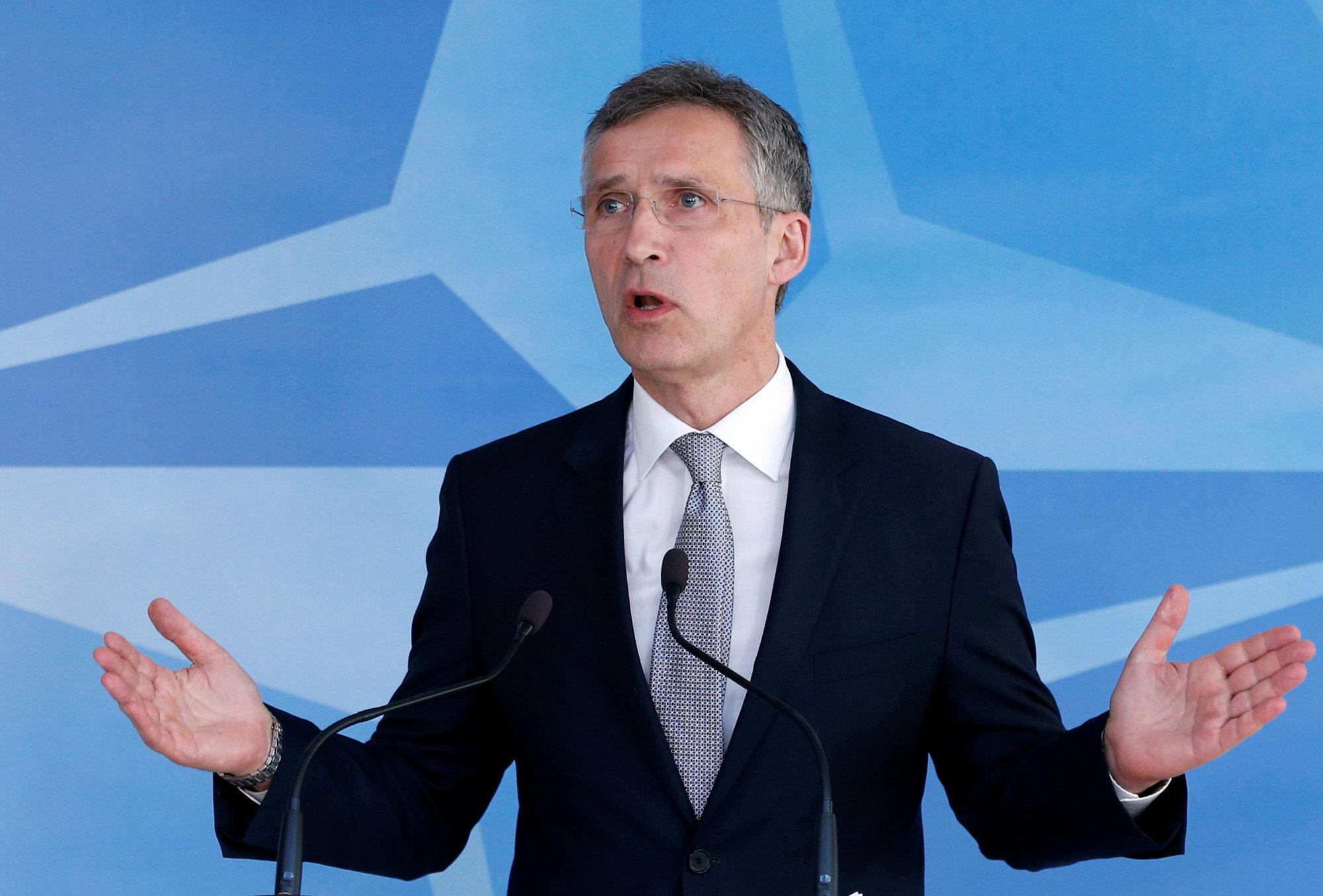 Столтенберг: России и НАТО лучше говорить друг с другом