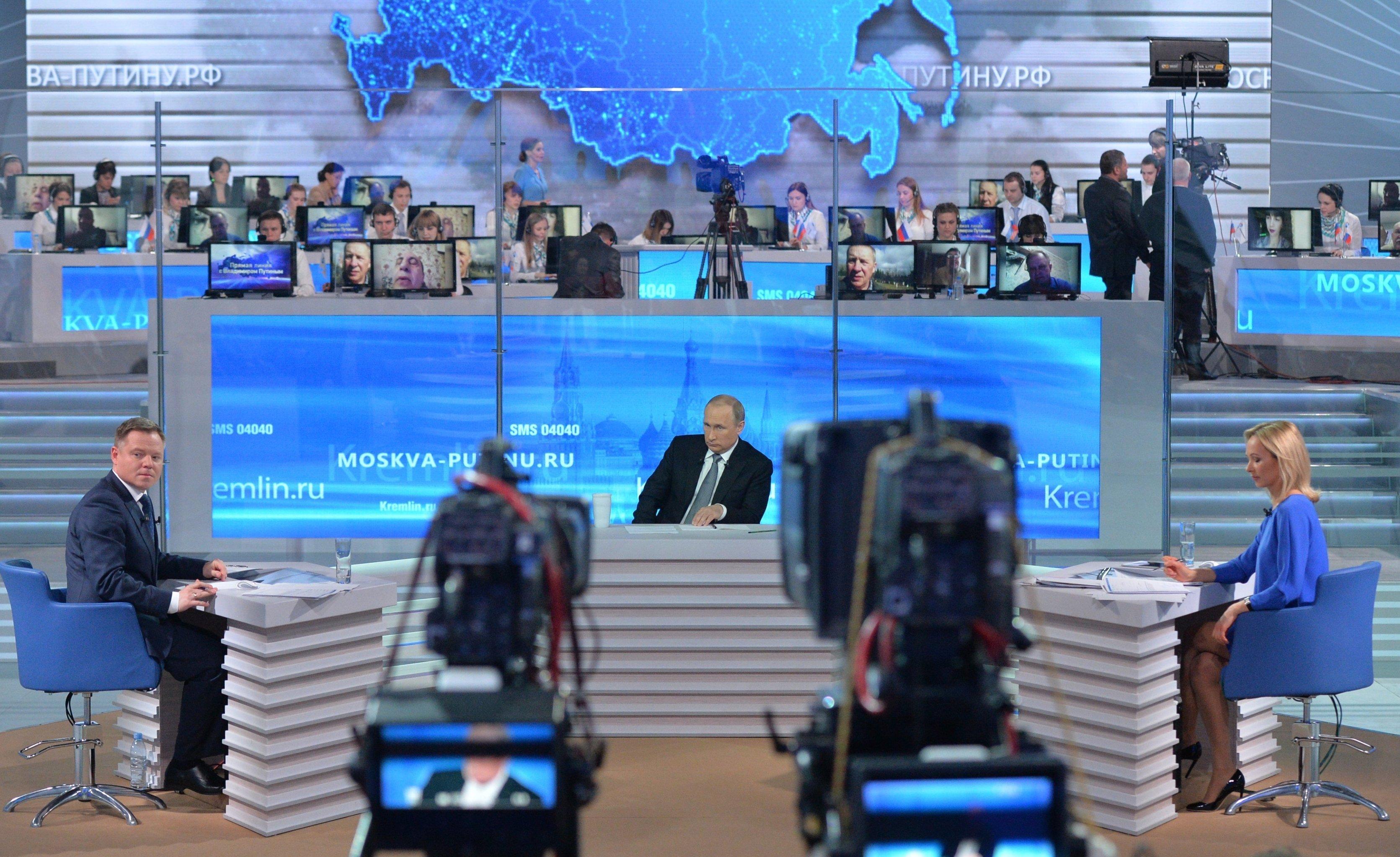 Российские власти содрогнулись; президент Путин намекает на «американский заговор»