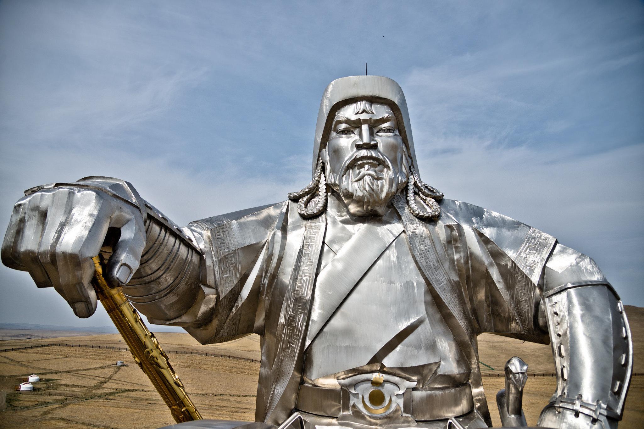 Чингисхан против джинсов Лаврова