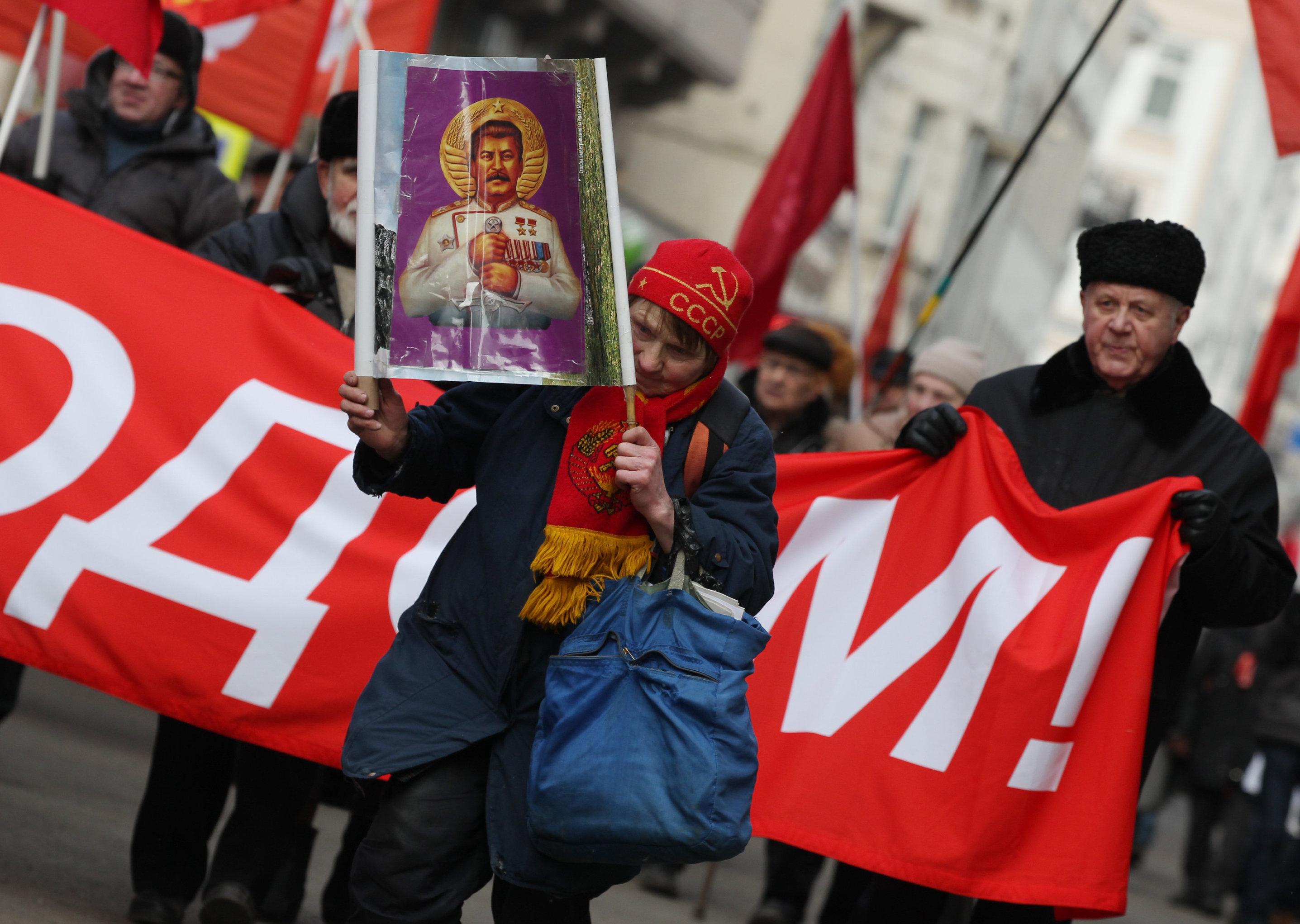 Россияне стремятся к возвращению в тоталитарный ад