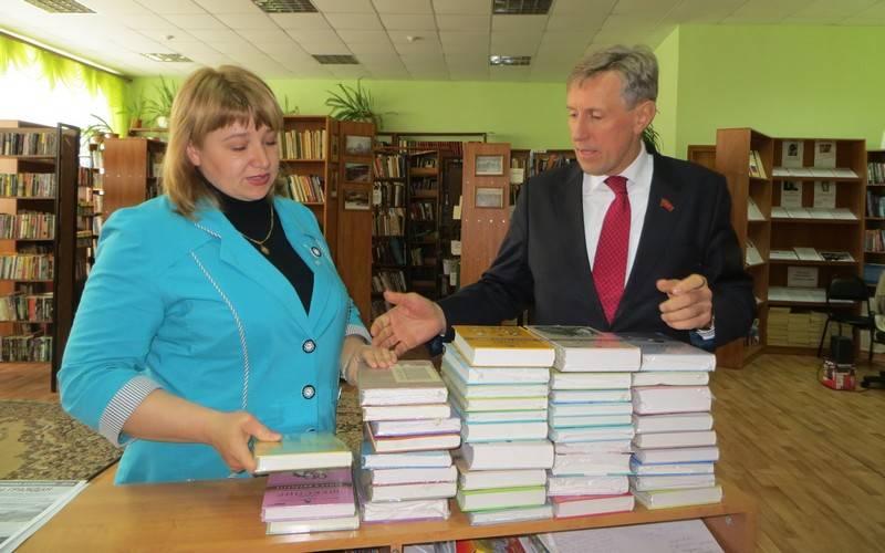 Брянская «Опора» начала акцию «Книги вподарок»