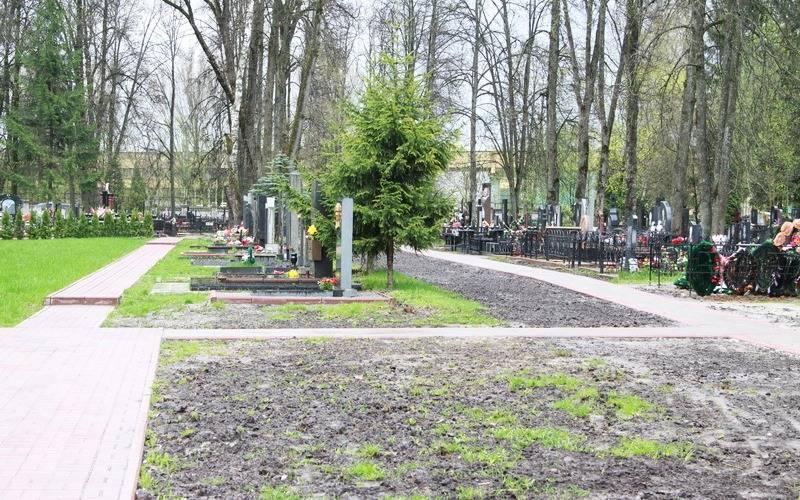 Ко Дню Победы наЦентральном кладбище Брянска расширят Аллею героев