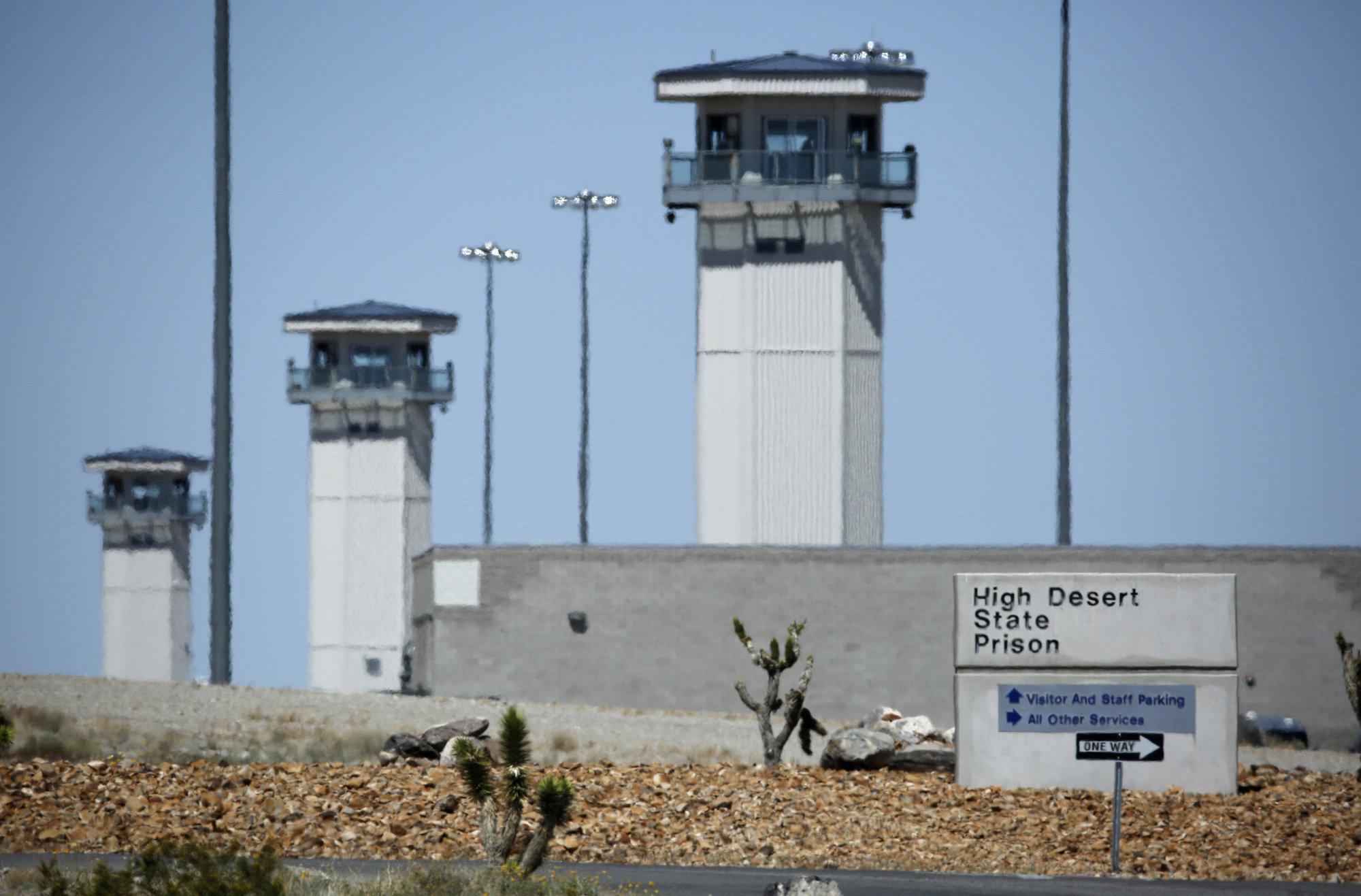 Обама: содержание заключенных становится непомерно высоким для бюджета